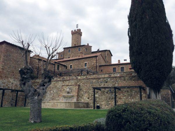 Caldaia KWB per riscaldare il resort Castello Banfi