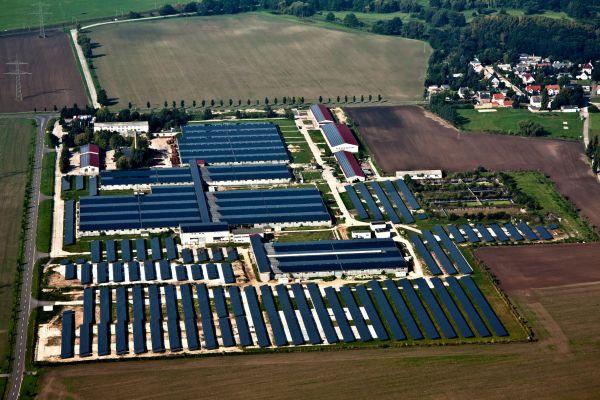 Piattaforma di monitoraggio meteocontrol per i 25 parchi solari Green City