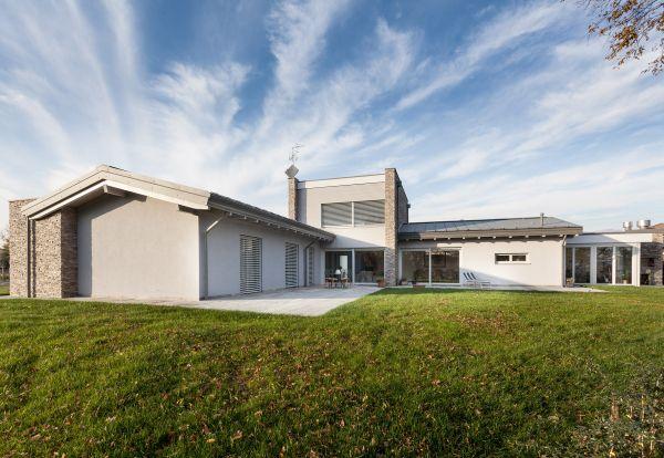 Villa unifamiliare in classe A+ personalizzata dai portoni Hormann