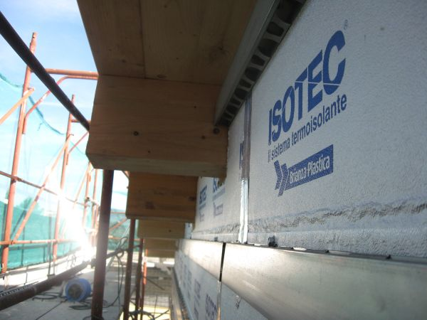 Involucro ad alta efficienza energetica grazie a ISOTEC