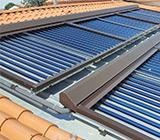 Protezione per collettori solari, resistente e adattabile