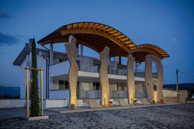 Riqualificazione efficiente di un casale in mini appartamenti in provincia di Roma