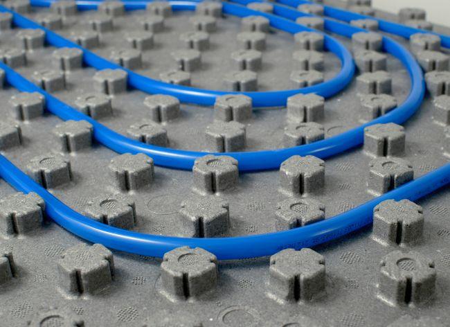 Innovativo pannello per il riscaldamento e raffrescamento a pavimento