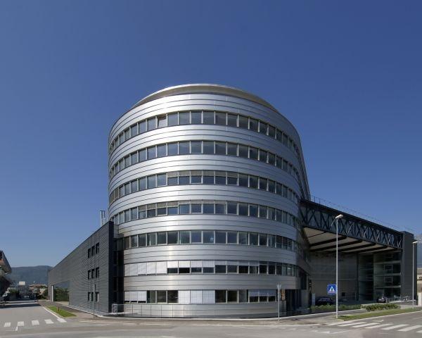 Nuova sede Stahlbau Pichler: grandi superfici e spazi luminosi 1