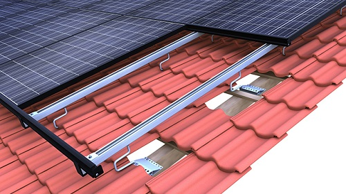 Sistema di ancoraggio con incastro per tetti a tegola Novotegra