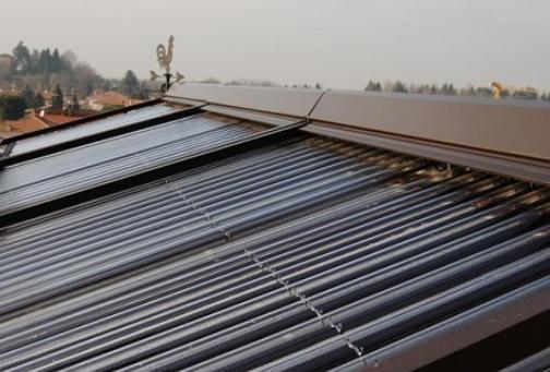 Tapparella solare di protezione per il collettore solare