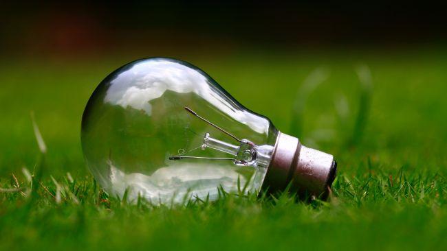 Qualche consiglio per risparmiare sulle bollette della luce