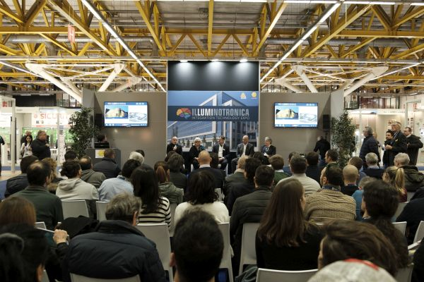 Successo e soddisfazione per Illuminotronica a Bologna
