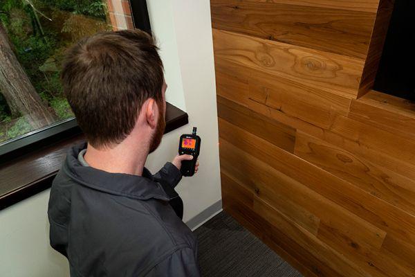 Misuratore di umidità con termocamera incorporata