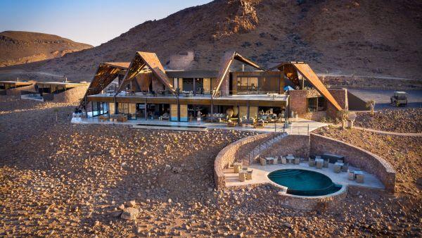 Sossusvlei lodge: l'hotel sostenibile nel cuore del deserto africano