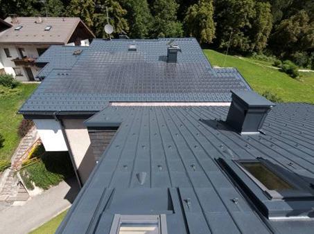 """Condominio residenziale """"Angersiedlung"""" coperto di energia Prefa"""