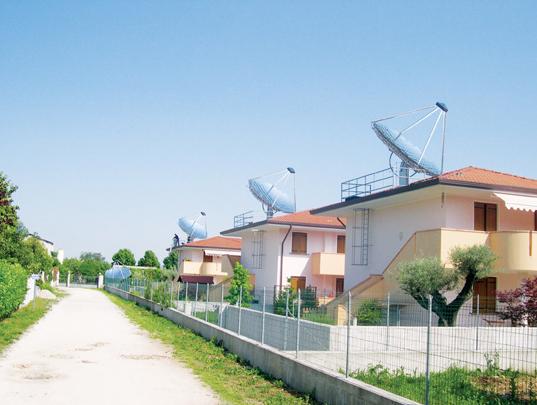 Concentratore ad inseguimento solare