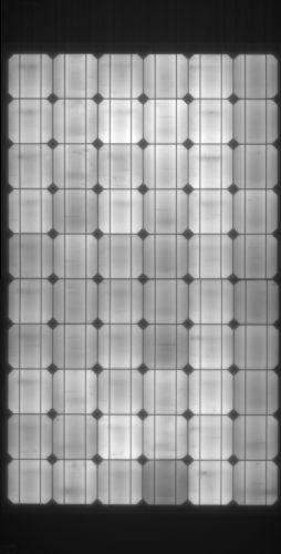 IBC SOLAR ha incrementato gli investimenti nel controllo qualità con una strumentazione per effettuare test ad elettroluminescenza
