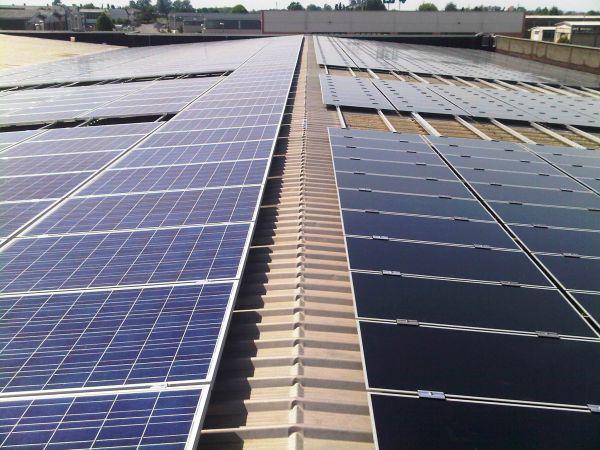 Aba Impianti firma le installazioni fotovoltaiche sui tetti dei capannoni Fugas