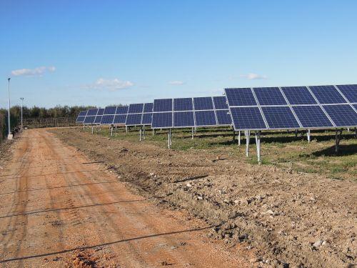 Componenti europei e sostenibilità per l'impianto fotovoltaico di Trinitapoli