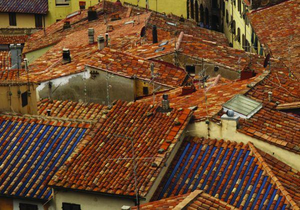 Hemera: copertura coibentata fotovoltaica per tetti a coppi
