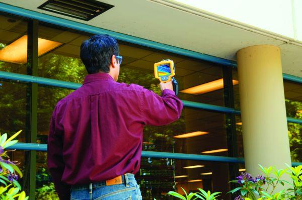 Termocamera Inspector Fluke TiRX individua le minime perdite di calore degli edifici