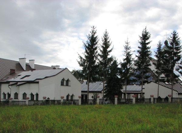 Moduli Canadian Solar per il tetto fotovoltaico di una chiesa in Polonia