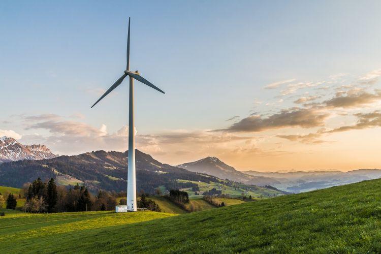 Transizione energetica, lenta ma senza precedenti