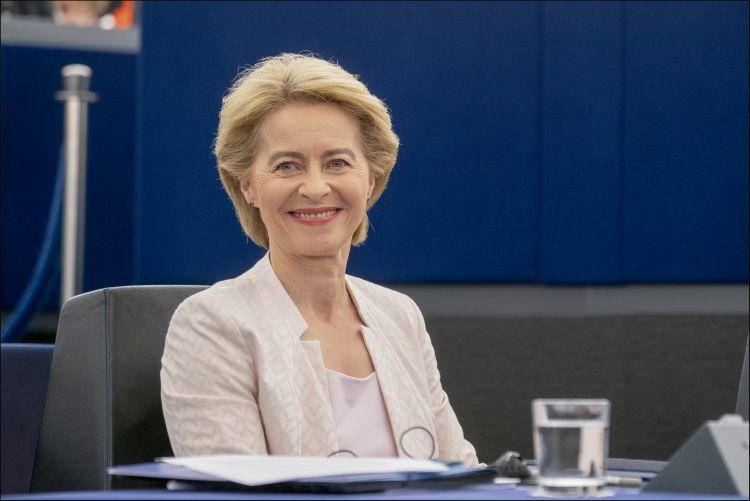 La presidente della commissione Ue Ursula von der Leyen presenta il programma Next Generation UE