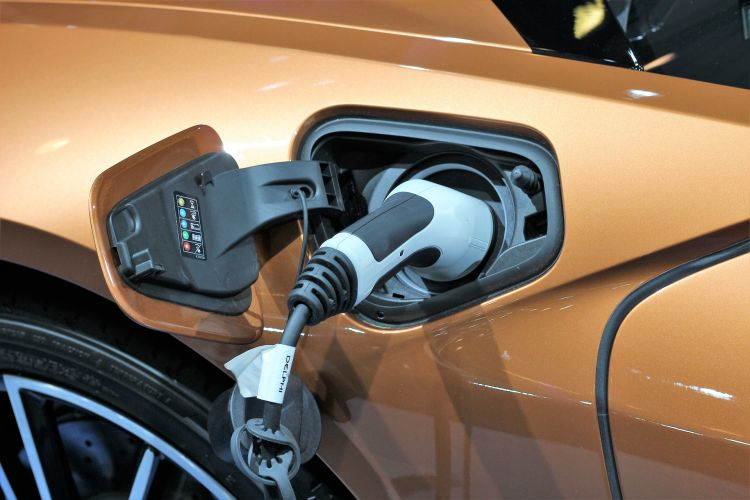 Auto del futuro: idrogeno vs energia elettrica
