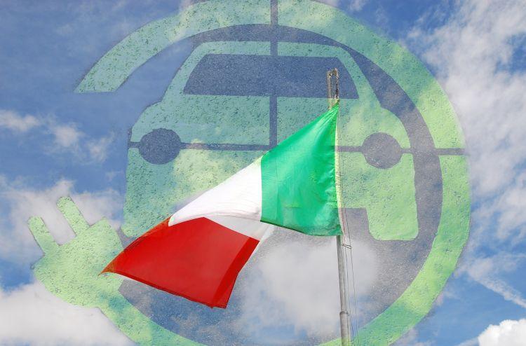 Auto elettrica a noleggio: l'e-car sharing si fa spazio in Italia