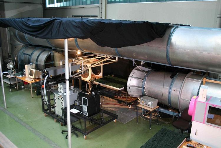 Sistema di montaggio Sun Ballast testato in galleria del vento