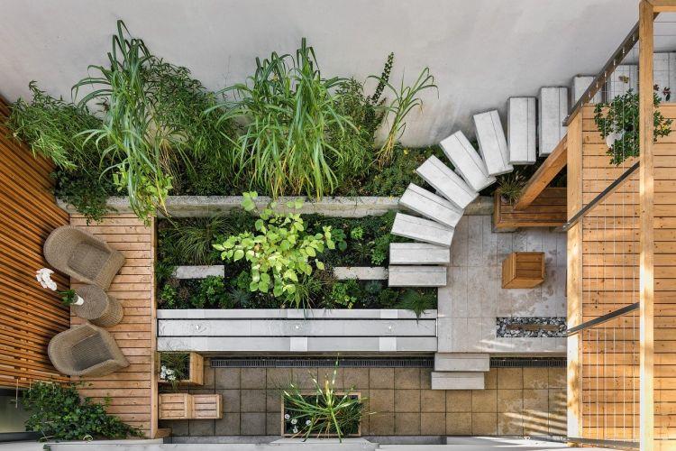 Soluzioni per raffrescare in modo naturale la casa, il patio ombreggiato