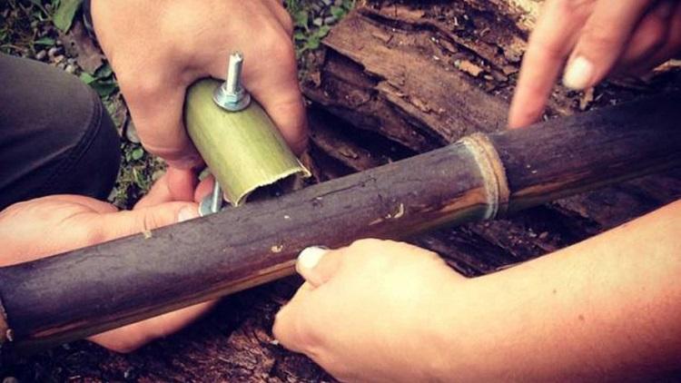 Assemblaggio di canne di bambù