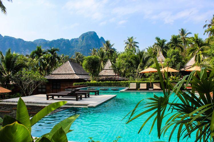 Hotel nel mondo sostenibili e costruiti con materiali naturali