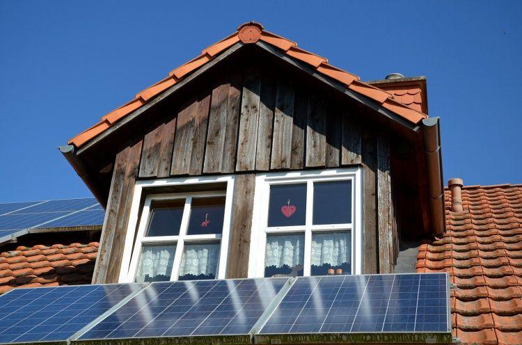 Fotovoltaico: un provvedimento Arera semplifica le regole per i piccoli impianti