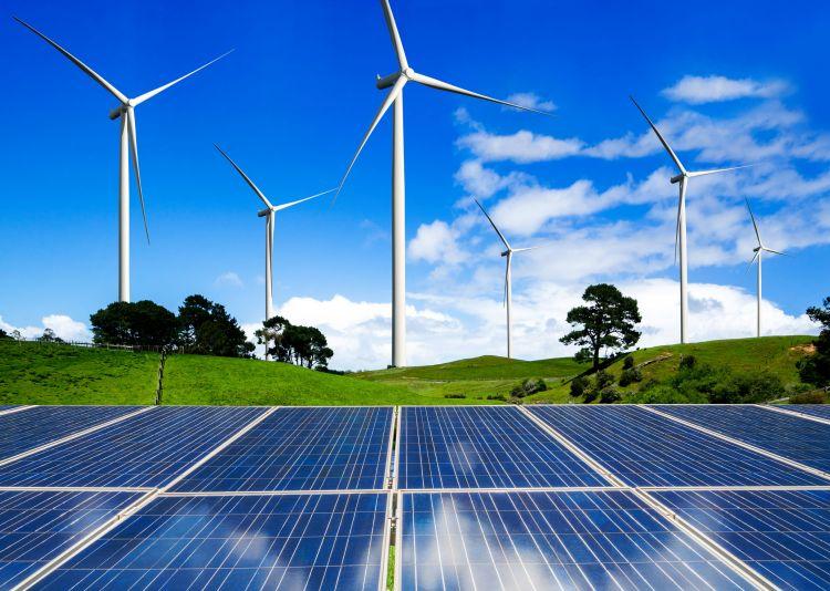 Da fotovoltaico ed eolico il 67% della nuova capacità nel 2019