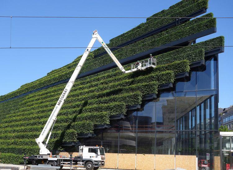 Kö Bogen II, Ingenhoven Architects: l'edificio con una delle facciate verdi più grandi del mondo