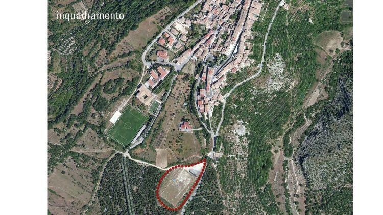 Il territorio di Pacentro con indicata in rosso l'area della scuola (credits, MC A)