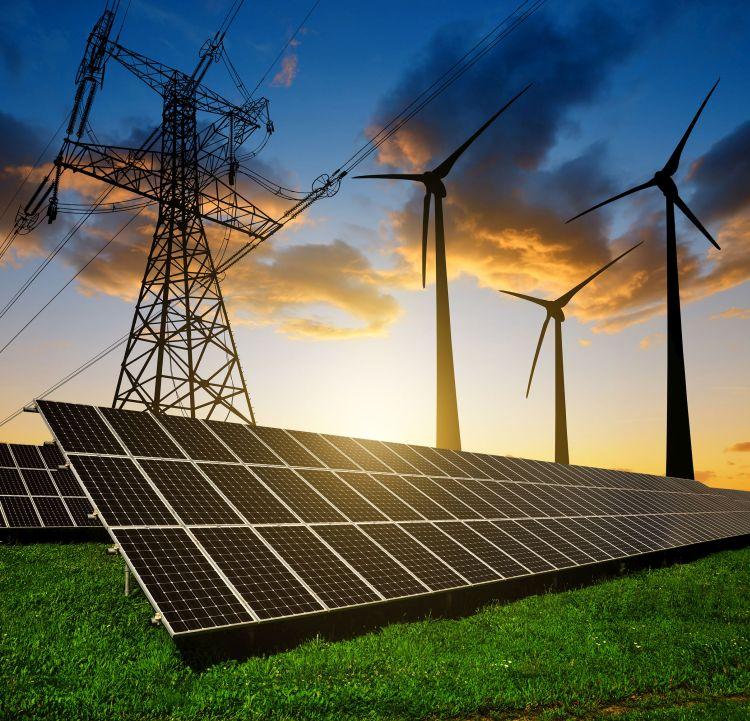 I consumi elettrici tornano ai livelli del 2019. Crescono le rinnovabili