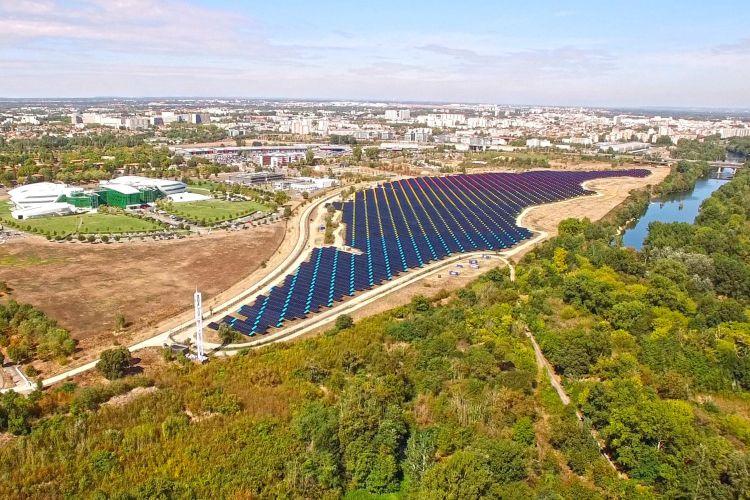 A Tolosa un'area contaminata rinasce grazie al fotovoltaico di proprietà di Axpo
