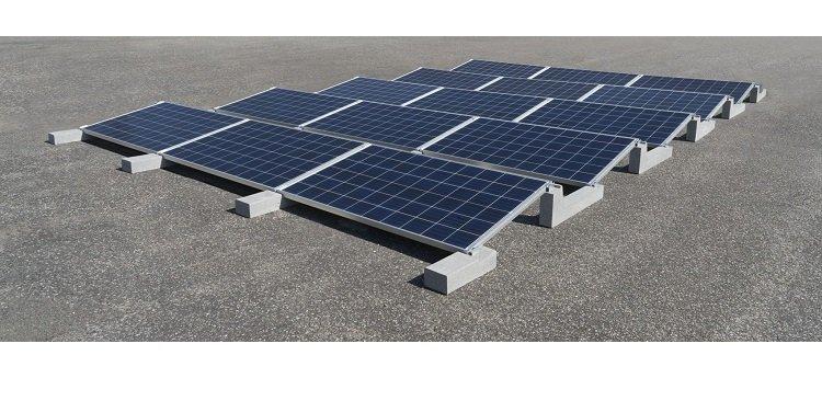 Resistenza al vento e carico di un impianto FV sulla copertura: impara come gestirli con Sun Ballast