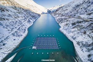 Fotovoltaico galleggiante per laghi artificiali: un'idea buona per le dighe