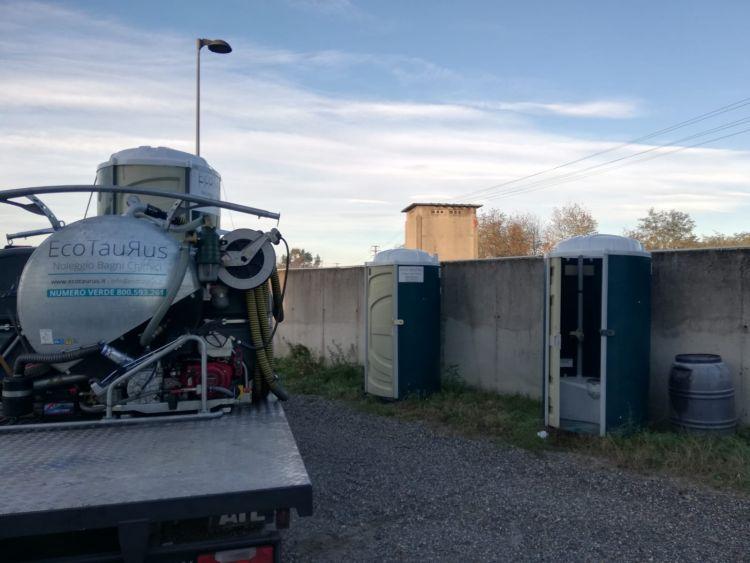 Funzionali, igienici e sicuri: scopriamo le caratteristiche dei bagni chimici Ecotaurus
