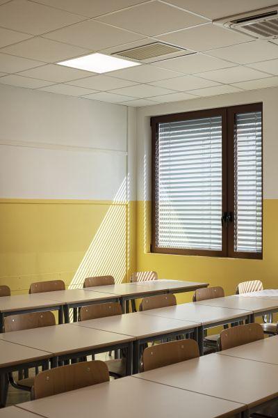 """Illuminazione led per la Scuola Secondaria """"S. Pellico"""" a varese"""
