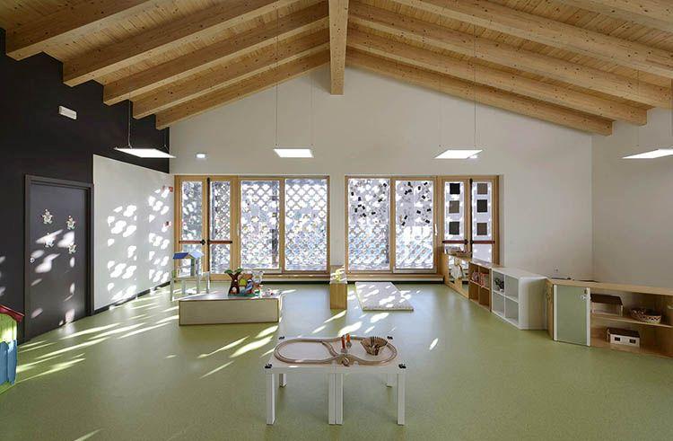 Tanto legno per gli interni nuovo asilo di Castel Cerreto