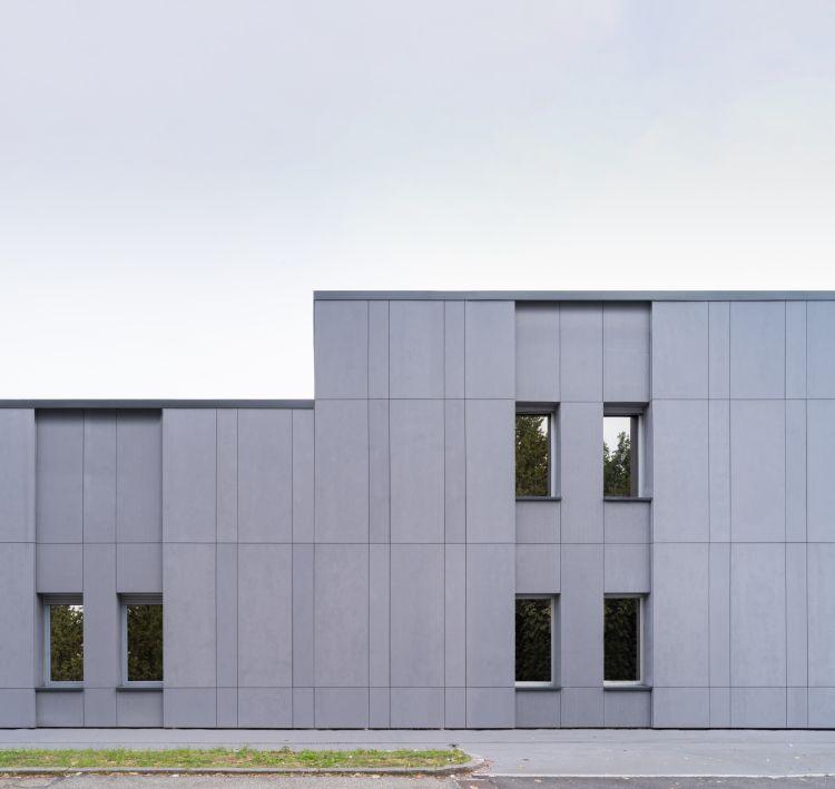 Facciata della nuova sede dell'ASM di Vercelli