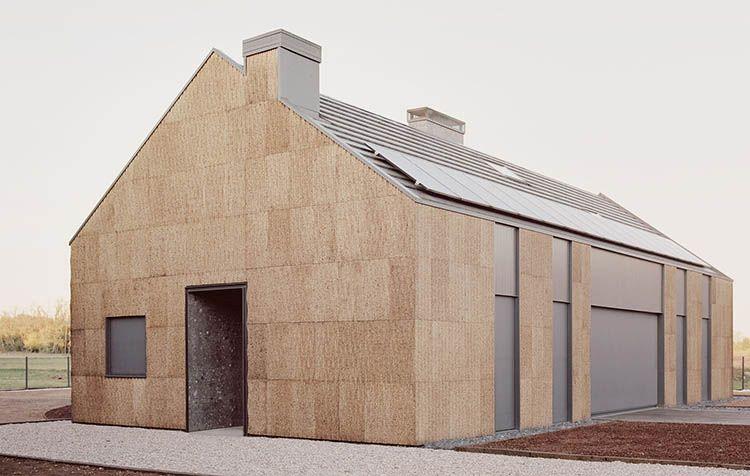 Casa 4 a Magnago, legno, paglia e sughero