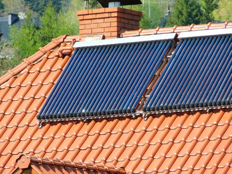 Quali sono i vantaggi dei pannelli solari termici