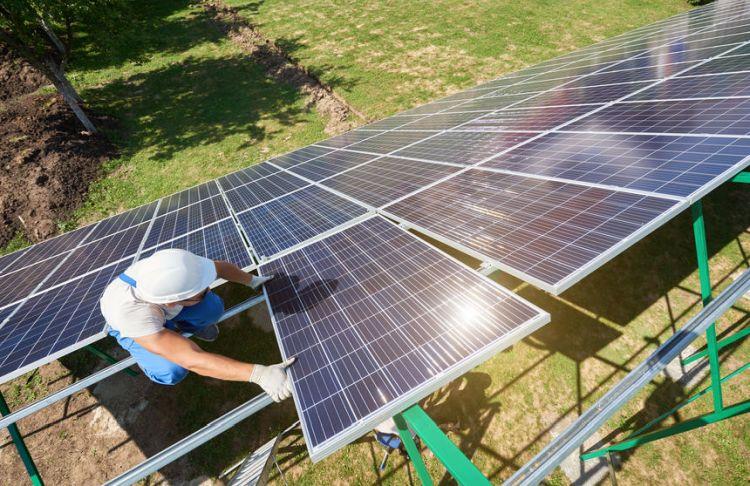 Superbonus e fotovoltaico a terra, ok se trainato