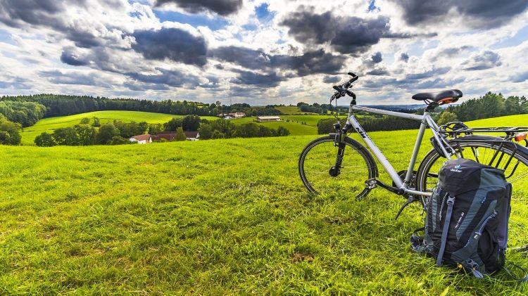 Bici e cicloturismo per la transizione ecologica: i vantaggi per l'Italia