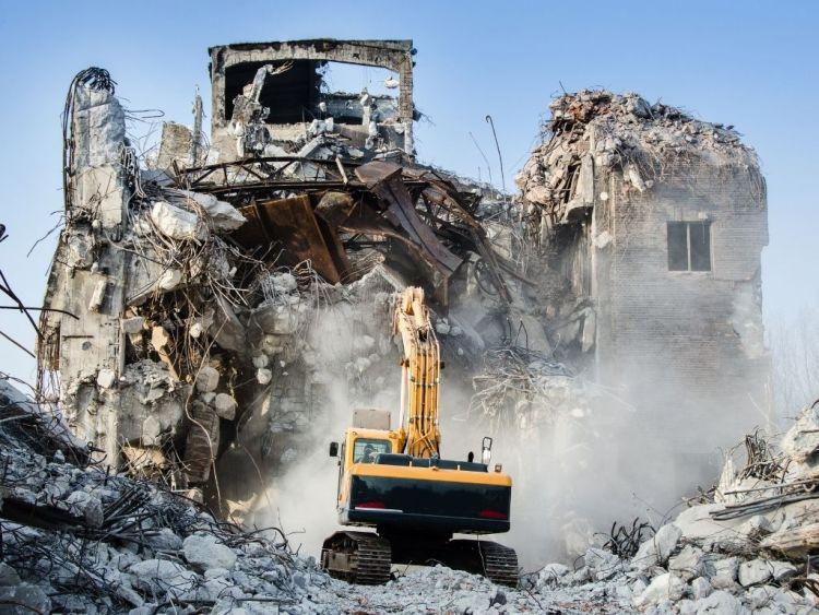 Intervenire su unità collabenti: si tratta di ristrutturazione edilizia?