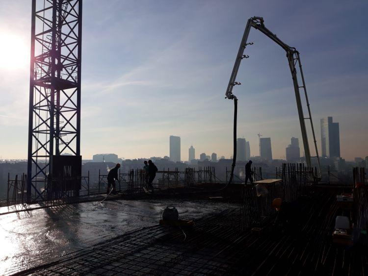 Torre Milano: Il getto del solaio