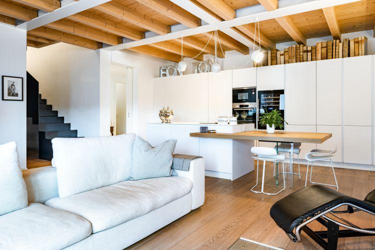 legno e materiali naturali per gli interni delle abitazioni del parco dei Gelsi