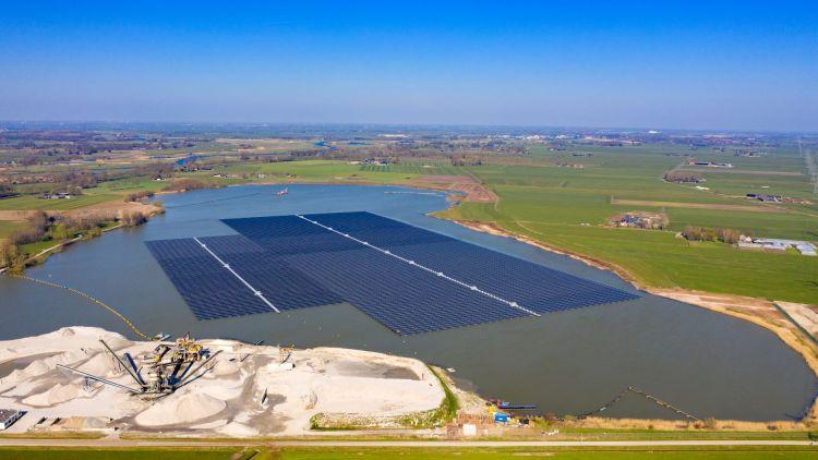 Fotovoltaico galleggiante, energia pulita nel rispetto dell'ambiente